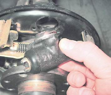 ford taurus 98 ремонт задних тормозов