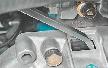 Фото №34 - как открутить болт шкива коленвала ВАЗ 2110